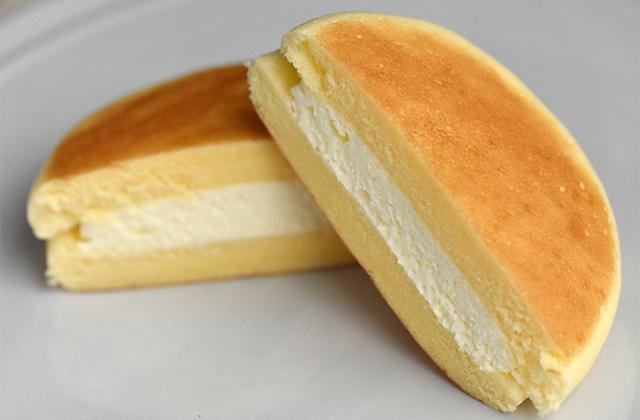 チーズ蒸しケーキサンド